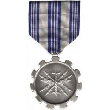 Large Air Forces Achievement Medal